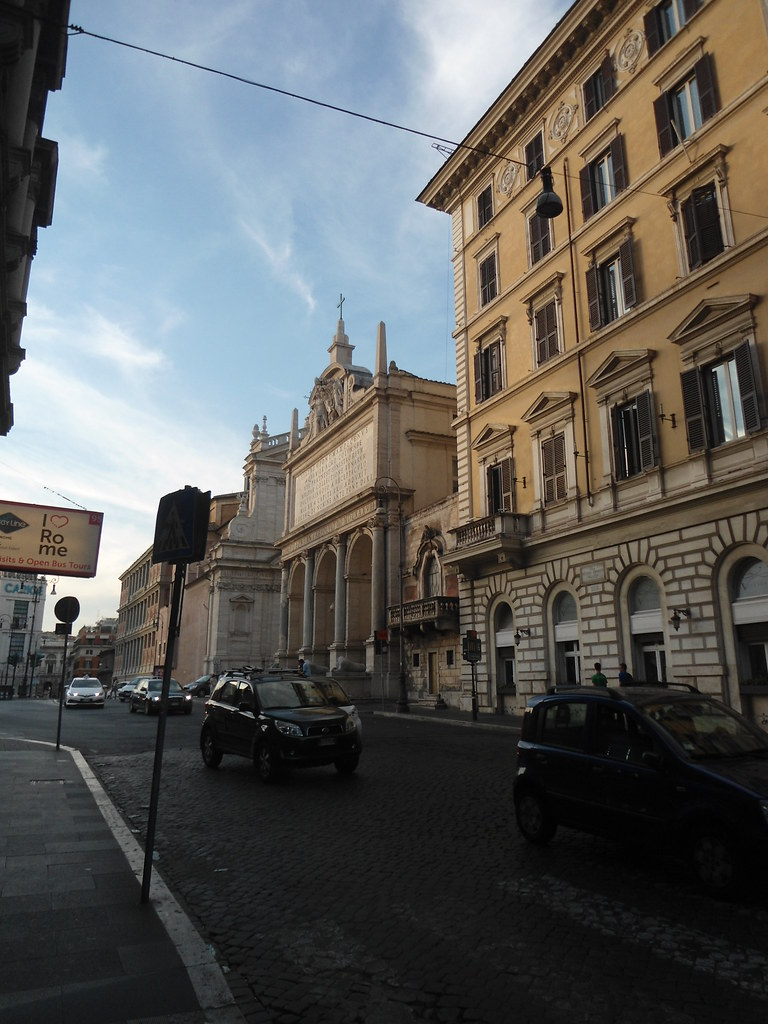 The world 39 s best photos of hoteles and roma flickr hive mind for The beehive rome