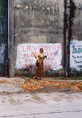vieja querida (flotan te) Tags: durazno 35mm 35mmfilm analoguevibes filmisnotdead analogue onfilm filmcolour mum portrait filmcamara uruguay green grunge