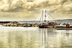 #photography #canon700d #balık #balık #fish #fishermen #sea #deniz #view #manzara #port #marina #liman #boat #tekne (oppeslife) Tags: boat sea tekne fishermen photography liman fish canon700d manzara port deniz balık marina view