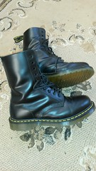 20161228_143508 (rugby#9) Tags: drmartens boots icon size 7 eyelets doc martens air wair airwair bouncing soles original hole lace docmartens dms cushion sole yellow stitching yellowstitching dr comfort cushioned wear feet dm 10hole black 1490 10 docs doctormartenboot indoor footwear shoe boot