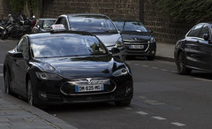 Tesla Model S Taxi, Paris (IFM Photographic) Tags: img9069a canon 600d ef2470mmf28lusm ef 2470mm f28l usm lseries paris france 8tharrondisment viii 8th arondisment 8e 8ème 75008 car taxi teslamodels tesla models