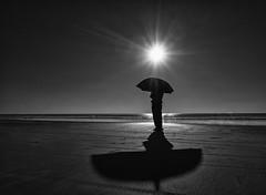 (Magdalena Roeseler) Tags: street streetphotography people bw blackandwhite monochrome sun silhouette light shadow candid minimal olympus zuiko art best erste wahl