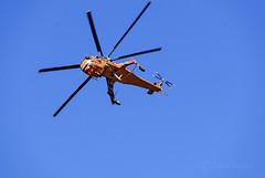 Sikorsky S-64 Skycrane (cedric.harbulot) Tags: nikon d5300 18250mm sigma nouvellecalédonie nouméa ciel avion hélicoptère sikorsky s64 skycrane newcaledonia sky helicopter