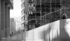 DIAGONAL (jpi-linfatiko) Tags: bn bnw bw blackandwhite blancoynegro blanconegro blackwhite nikon d5200 sigma1770 urban urbano urbana ciudad city edificios oficinas offices buildings reflejos cristal glass murocortina curtainwall architecture arquitectura