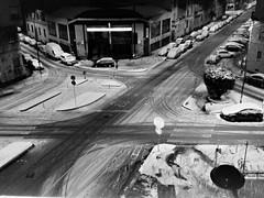 (Aellevì) Tags: incrocio città notte neve impronte vuota