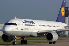 D-AIPL (AnDyMHoLdEn) Tags: lufthansagroup lufthansa a320 egcc airport manchester manchesterairport 23l