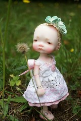 DSC04834 (Lindy Dolldreams) Tags: irrealdoll girl dandelion wish pink baby bjd