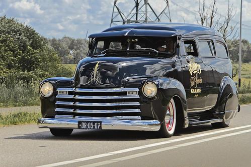 Chevrolet Suburban Custom 1952 (2348)