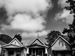 Street vibes (calebbodaniel) Tags: olympus olympusomdem10markii em10markii evansville indiana evansvilleindiana micro43 m43 blackandwhite bw streetphotography neighborhood houses buildings three roofs clouds sky urban old