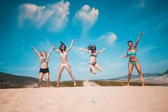 1, 2, 3... JUMP! (Leo Hidalgo (@yompyz)) Tags: playa bolonia beach cadiz dunas mse málaga south experiences yompyz erasmus students estudiantes