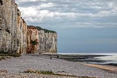 Falaise de St Valéry-en-Caux (Lucille-bs) Tags: europe france normandie seinemaritime stvaléryencaux falaise plage nature paysage mer eau nuage greaterphotographers