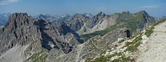 Mindelheimer Klettersteig (gerhardschorsch) Tags: panorama landschaft landscape a7r available berg klettern klettersteig fe55mmf18za f18 fe zeiss za fe55mm 55mm ilce7r österreich deutschland grenze mindelheimer berge bergspitze bergsteigen sommer urlaub allgäuer alpen kleinwalsertal allgäu sony