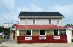 Bark River Lanes, 6 lane bowl - Rome, Wisconsin (Cragin Spring) Tags: wisconsin wi midwest unitedstates usa unitedstatesofamerica bowling bowlingalley building sign barkriverlanes rome romewi romewisconsin
