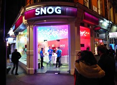 London Soho - Snog  - Nov 2016 - I Think They Probably Did (Gareth1953 All Right Now) Tags: london fastfood restaurant snog patrons waiters staff facilitators purple shop front humour funny family wife anna