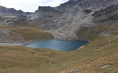 Lac de Lona (bulbocode909) Tags: valais suisse grimentz lacdelona plainedelona valdanniviers cabanedesbecsdebosson montagnes nature lacs paysages vert bleu