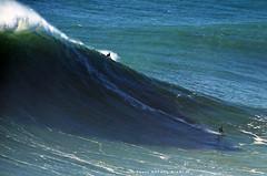 AXI MUNIAIN / 3320NAZ (Rafael González de Riancho (Lunada) / Rafa Rianch) Tags: surf waves surfing olas sport deportes sea mer mar nazaré vagues ondas portugal playa beach 海の沿岸をサーフィンスポーツ 自然 海 ポルトガル heʻe nalu palena moana haʻuki kai olahraga laut pantai costa coast storm temporal
