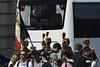 2017.07.14.105 PARIS - Garde du Drapeau du 2° Rgt de la Garde Républicaine (alainmichot93 (Bonjour à tous - Hello everyone)) Tags: 2017 france îledefrance paris 14juillet helicopter nikond5100 nikon garderépublicaine soldat uniforme drapeau