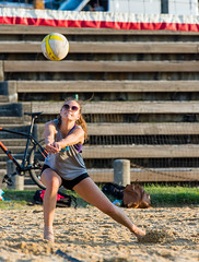 2017-08-04 BBV Coed Doubles (76) (cmfgu) Tags: craigfildespixelscom craigfildesfineartamericacom baltimore beach volleyball bbv md maryland innerharbor rashfield sand sports court net ball outdoor league athlete athletics sweat tan game match people play player doubles twos 2s coed