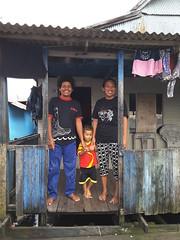 Keluarga di Desa Cambaya yang menjadi salah satu daerah kerja IUWASH Plus (USAID Indonesia) Tags: air water sanitasi sanitation mandi shower children anak keluarga family desa village