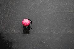 Pink umbrella in London (The Ultimate Photographer) Tags: london england uk rainy rain rainylondon pink umbrella pinkumbrella tatemodern balcony streetphotography ultimatephotographer sharing love pinklove couple walkingintherain parapluie pluie londres londressouslapluie tourist marcher rose