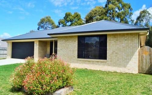 17 Claret Ash Drive, Guyra NSW