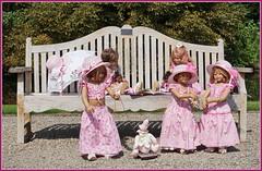 Tanzend in die neue Woche ... (Kindergartenkinder) Tags: schlossanholt annemoni milina dolls himstedt annette park kindergartenkinder sommer wasserburg margie isselburg tivi sanrike