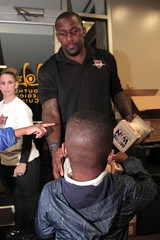 """thomas-davis-defending-dreams-foundation-thanksgiving-at-lolas-0220 • <a style=""""font-size:0.8em;"""" href=""""http://www.flickr.com/photos/158886553@N02/37013323912/"""" target=""""_blank"""">View on Flickr</a>"""