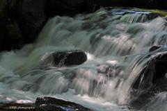 Parc du Moulin (Marie-Josée Lévesque) Tags: eau rivière river cascade flou longexposure falls nature québec canada septembre 2017