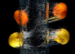 Citrus fruit breaking out (Wim van Bezouw) Tags: lemon fruit water splash drop trigger sony ilce7m2 pluto strobist plutotrigger flash