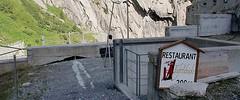 Andermatt - Urnerloch, Teufelsbrücke, Militärstollen (Kecko) Tags: 2017 kecko switzerland swiss schweiz suisse svizzera innerschweiz zentralschweiz uri ur gotthard schöllenen schöllenenschlucht andermatt urnerloch matterhorngotthardbahn mgb teufelsbrücke teufelswand reuss bridge brücke eisenbahn bahn railway railroad zug train swissvideo video geotagged geo:lat=46645450 geo:lon=8590540