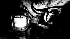 Petit coin à mug. (benweasley) Tags: lumière light lampe lamp ambiance ambience sombre dark ombre wall mur tenturemurale wallhanging room chambre stuff rétro oldschool shadow mug noiretblanc monochrome blackandwhite photographie picture photo photography art photographer
