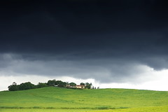 Gri hava (halukderinöz) Tags: gray gri bulut cloud fırtına storm yeşil green manzara landscape yol road tepe hill koru grove ağaç tree uganda hd canoneos40d eos40d grey