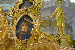 09112017_1245 copy (photospencer) Tags: stpetersburg russia petrogradskaya cathedralofsspeterandpaul painting figures cherubs gold