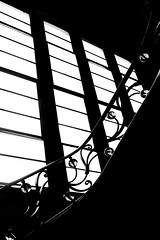 La rampe (Isa-belle33) Tags: escalier stairs urban urbain city ville window fenêtre light lumière shadow ombre bnw blackwhite blackandwhite blancetnoir monochrome fuji fujifilm fujixt1