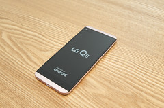 Lr43_L1000063 (TheBetterDay) Tags: lg lgq8 q8 smartphone cp mobile phone andorid photo pink pinkphone v30 lgv20 lgv30 second moana ip67 water unbox boxing camera wideangle