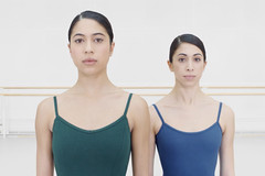 Watch: A female <em>pas de deux</em> from Royal Ballet dancers Beatriz Stix-Brunell and Yasmine Naghdi