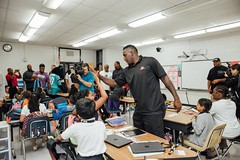 "thomas-davis-defending-dreams-2016-backpack-give-away-51 • <a style=""font-size:0.8em;"" href=""http://www.flickr.com/photos/158886553@N02/36995682216/"" target=""_blank"">View on Flickr</a>"