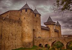 Carcassonne 2 (Francia) (Carlos M. M.) Tags: hdr canon100d francia france carcasonne nubes clouds castle castillo