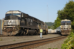 NS6722 (Sulman_Images) Tags: norfolksouthern freighttrains wilmerding pennsylvania trains