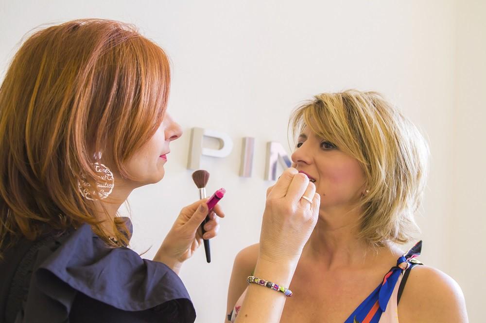 The world 39 s best photos of capelli flickr hive mind for Specchio woman abbigliamento
