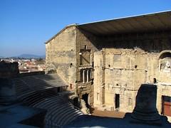 Du haut des gradins (Scratina) Tags: vaucluse orange architectureromaine paysages théatre antiquité