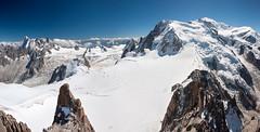 Massif du Mont-Blanc (thomaspollin [thanks for 2 million views !!!]) Tags: thomaspollin thomas pollin europe europa france frankreich auvergne rhône alpes auvergnerhônealpes rhônealpes alpen alps haute savoie hautesavoie chamonix aiguille midi aiguilledumidi massif mont blanc montblanc massifdumontblanc