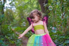 Burbujas (Lorena Hoyos Fotografía) Tags: kids niños fotografía infantil retrato portrait fairy fairytale hada cuento capricho madrid