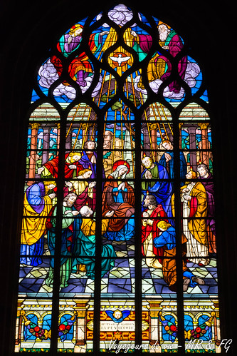 """Vitrail Chapelle Notre-Dame de Lambader • <a style=""""font-size:0.8em;"""" href=""""http://www.flickr.com/photos/151667760@N04/36194819393/"""" target=""""_blank"""">View on Flickr</a>"""