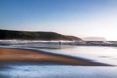 Contrastes (ccc.39) Tags: asturias xagó gozón playa mar orilla cantábrico agua arena olas natural veranoatardecer sunset beach costa seascape