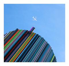 destination couleurs (Marie Hacene) Tags: ladéfense moretti avion plane couleurs colors