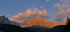 Rosengarten at sunset (jehazet) Tags: italy italië rosengarten catinaccio dolomiti sunset zonsondergang bergen mountains jehazet explore tramonto