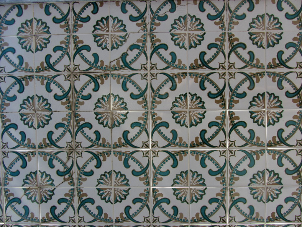 The world 39 s best photos of azulejo and azulejos flickr for Fliesen portugal