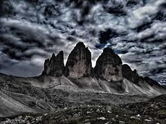 tre cime di lavaredo... (sicca85) Tags: dolomiti trecimelavaredo trecime veneto belluno dolomiten dreizinnen allaperto nuvola montagna montagne mountains italia italy alpi alps huawey ngc