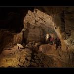 Daniel dans la galerie des Gours de la Grotte St Catherine - Laval Le Prieuré thumbnail